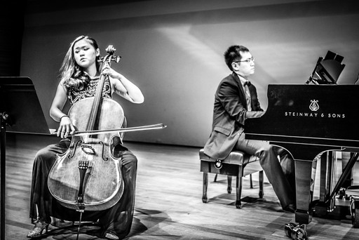 """Pride for Taiwanese Composers"" Concert at Eslite Recital Hall - May 2016 (performing ""River 成河"" by Lian Xian Sheng)"