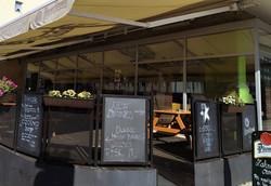 Metropolitan bar-restaurant Coolna - letní zahrádka
