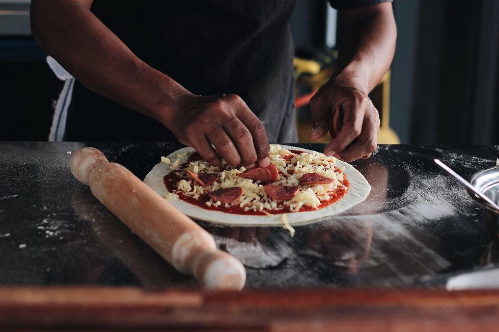 home-made-pizza_t20_WKWYdw.jpg