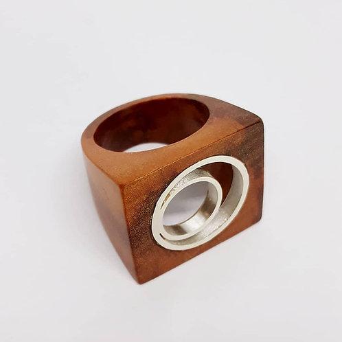 Anel de madeira de reaproveitamento e prata 950