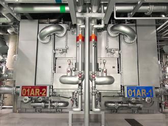 蒸気吸収式冷凍機(1,200RT×2台)