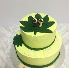 marijuana leaf cake.jpg