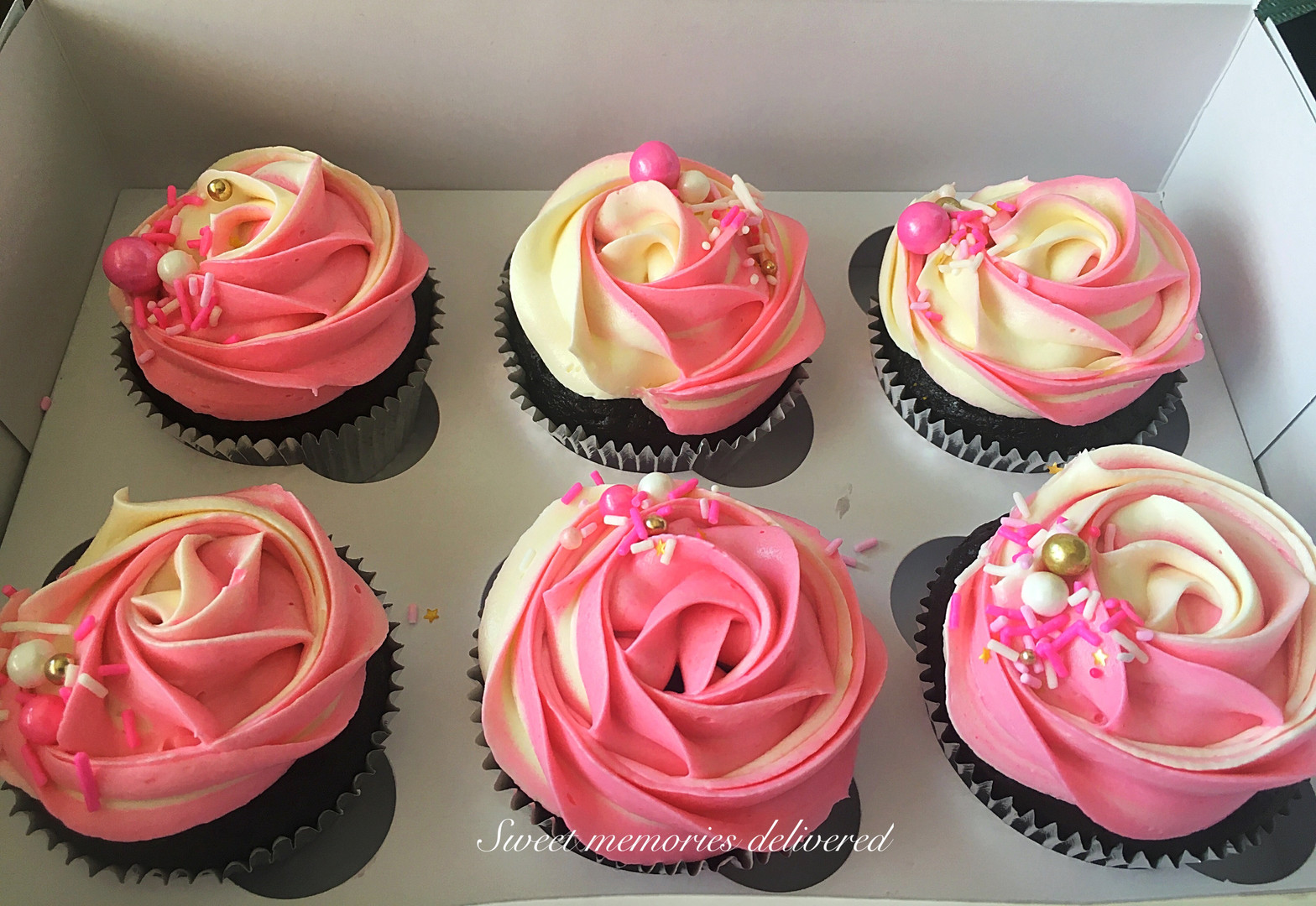 rosettecupcakes.jpg