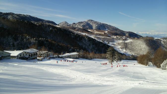 本日快晴、雪質も良好