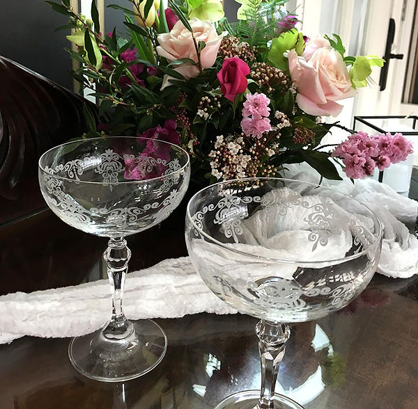 champagne-coupes.jpg
