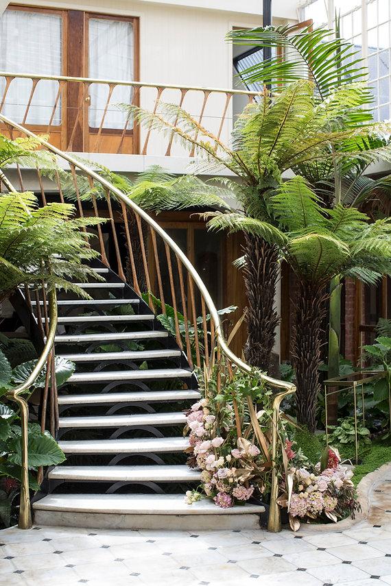 staircase-wedding-florals.jpg
