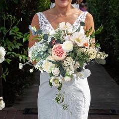 faux-bouquet-bride.jpg