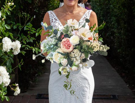 faux-bouquet-bride.jpg