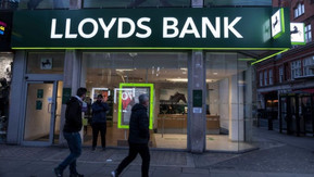 Covid-19: Lloyds staff to work from home until spring