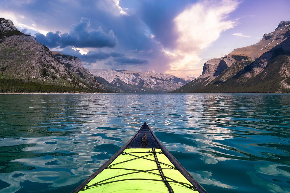 distribución canoa plástico.jpg