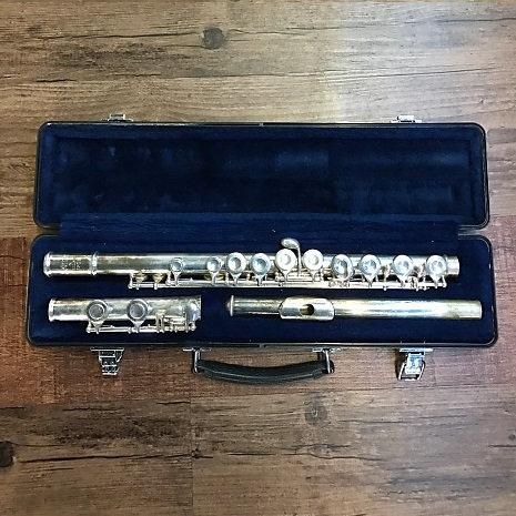 Selmer USA 1206 Silver-Plated Flute Outfit (Pre-owned)