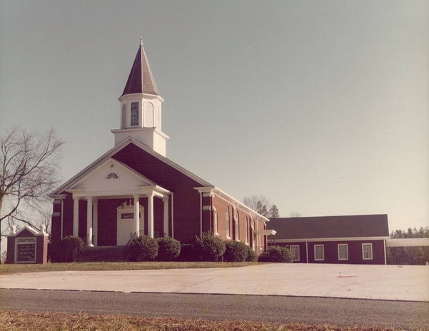 View-of-church-prior-to-1991-no-ramp.jpg