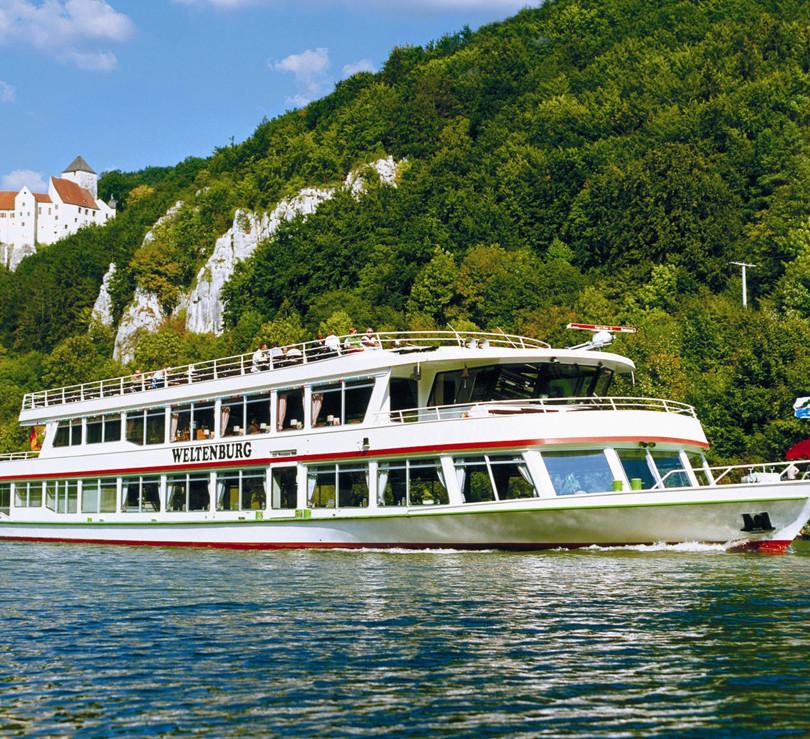 Schifffahrt Kelheim-Donaudurchbruch.jpg
