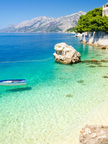 Smaragdfarbenes Meer auf der Insel Krk