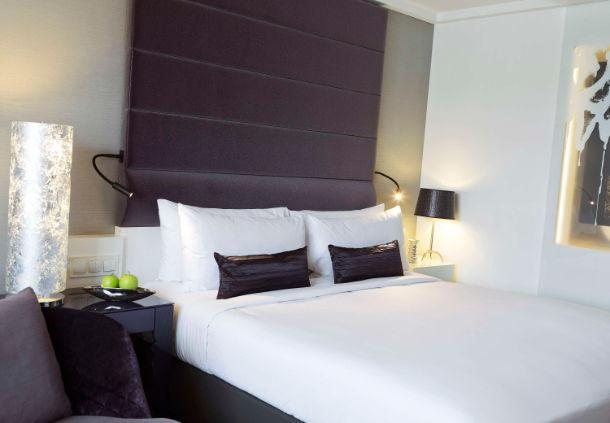 Zimmerbeispiel Renaissance Hotel Wien