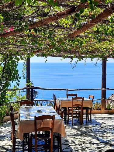 mediterrane Taverne am Meer