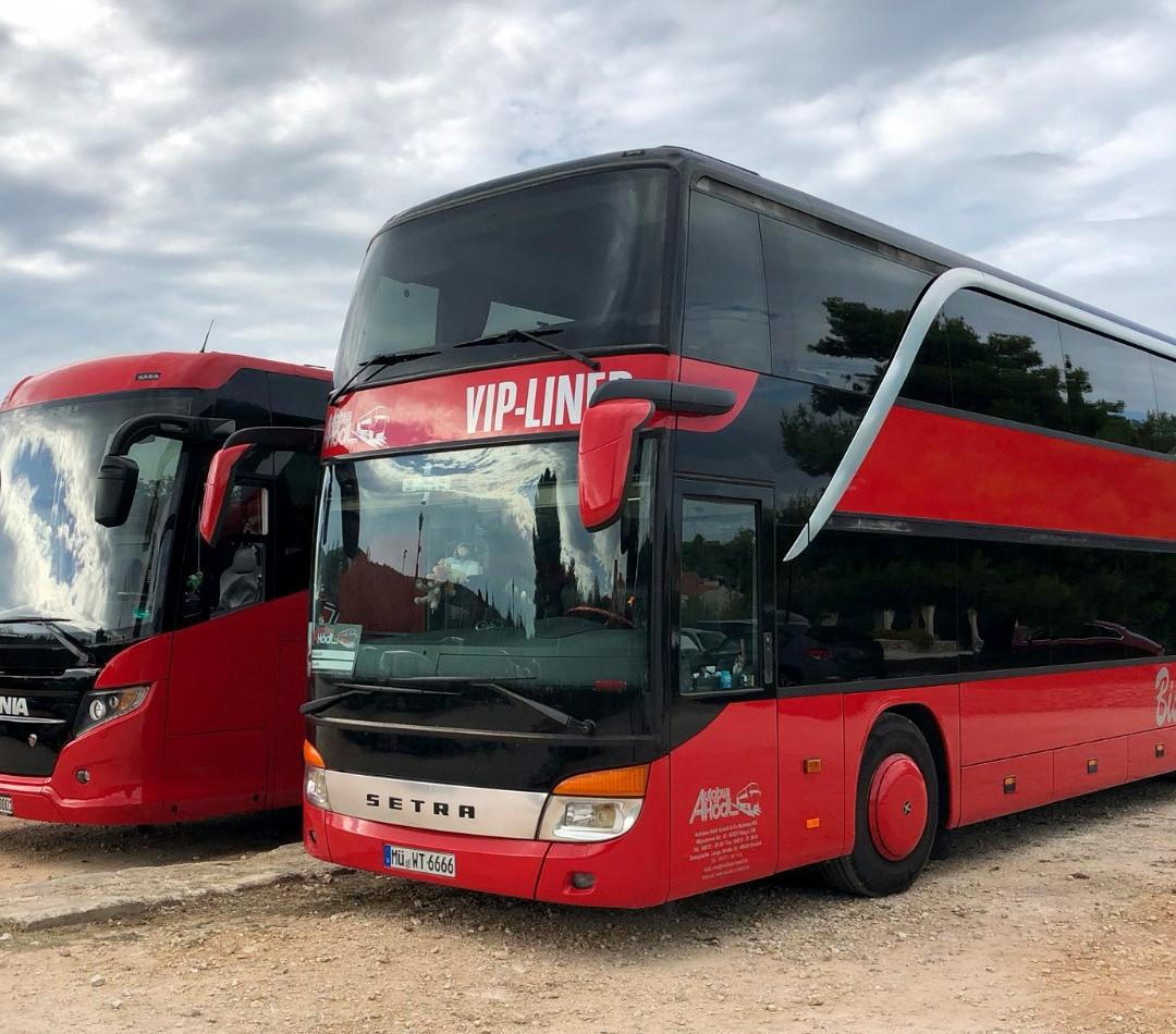 VIP-Liner Bistrobus & Premium-Liner Fernreisebus