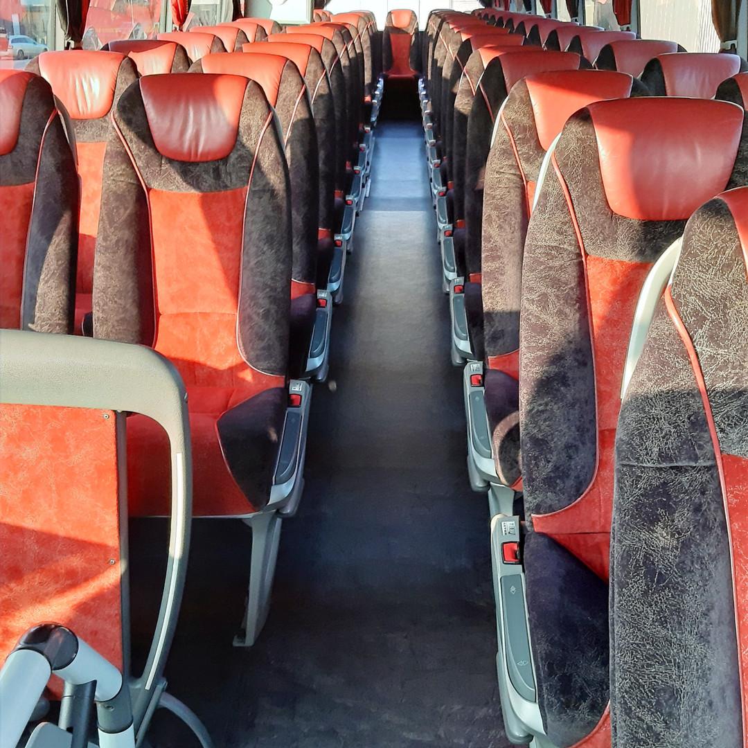 Oberdeck im VIP-Liner Bistrobus