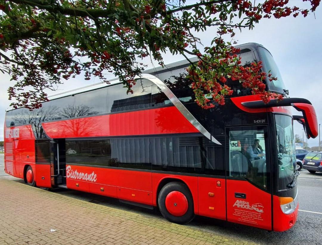 Unser komfortabler Setra VIP-Liner Bistrobus