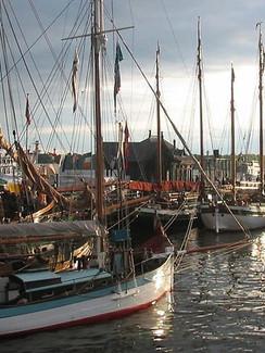 Museumshafen Oevelgoenne.jpg