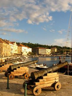 Küstenort Senj Hafenpromenade