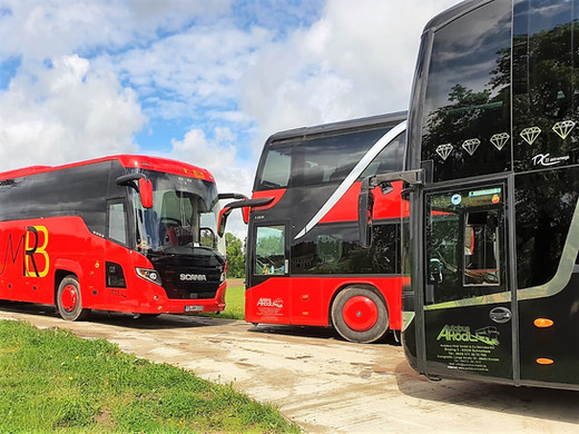 Unsere Fernreisebusse