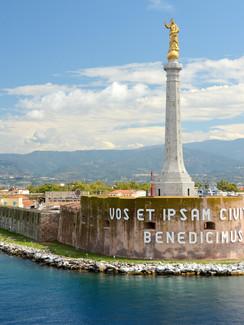 Hafen Messina