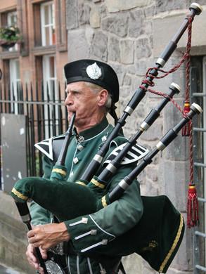 Dudelsackspieler in Edinburgh.jpg