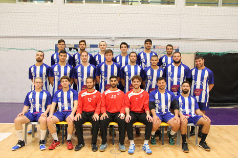 תמונה קבוצתית בוגרים עונת 2018-19.JPG