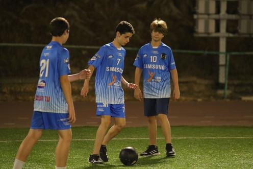 שחקני הנוער שמהלך פעילות כדורגל לילה לבן