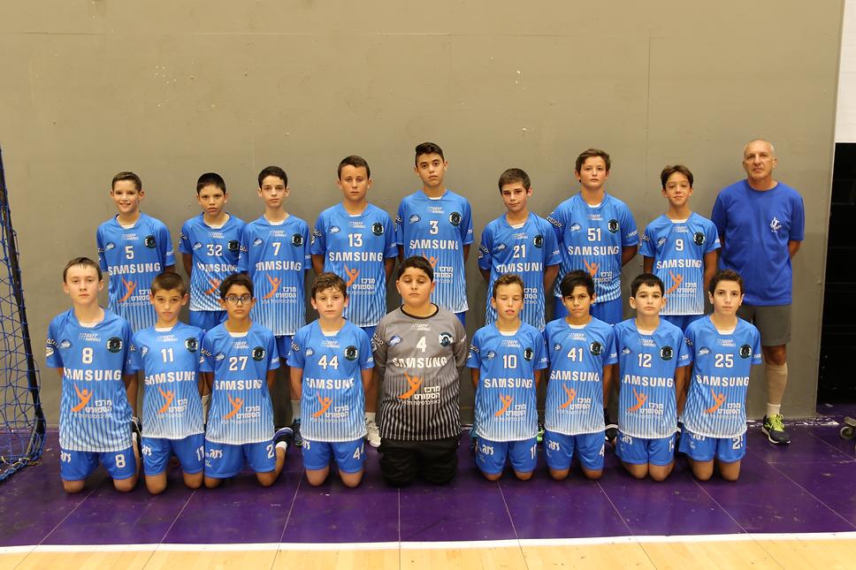 תמונה קבוצתית שחקני קבוצת הנוער ז-ח עונת 2019-20