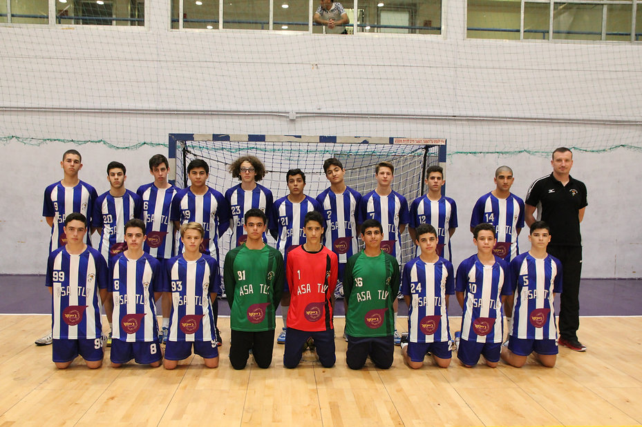 תמונה קבומתית שחקני קבוצת הנוער עונת 2018-19