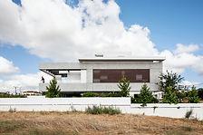 חזית הבית המורכב משתי יחדיות שונות