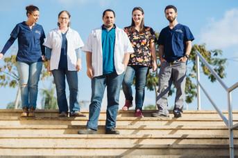 צוות מחלקה הדמיה מרכז וטרינרי בית ברל.jp