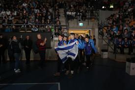 שחקני מחלקת הנוער אסא תל אביב מצעד משלחו