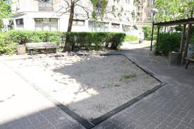 ארגז החול מתחתיו שכן הבונקר של היטלר בברלין