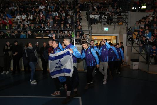 שחקני מחלקת הנוער אסא תל אביב במצעד המשל