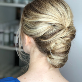Modern Loose French Roll