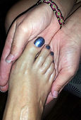 Vanessa preformig Reiki on a Broken Toe