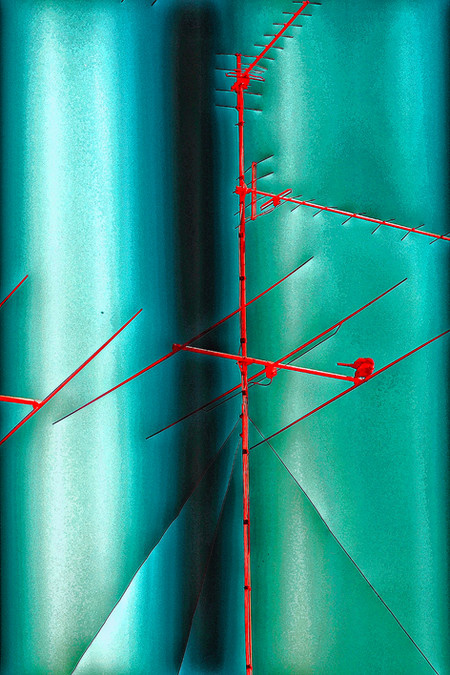 Geometric invisible dimensions