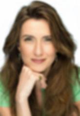 נילי צרויה יוצרת ומנחת סדנאות. בעלת ידע וניסיון בניתוח והבנת התנהגוויות אנושיות