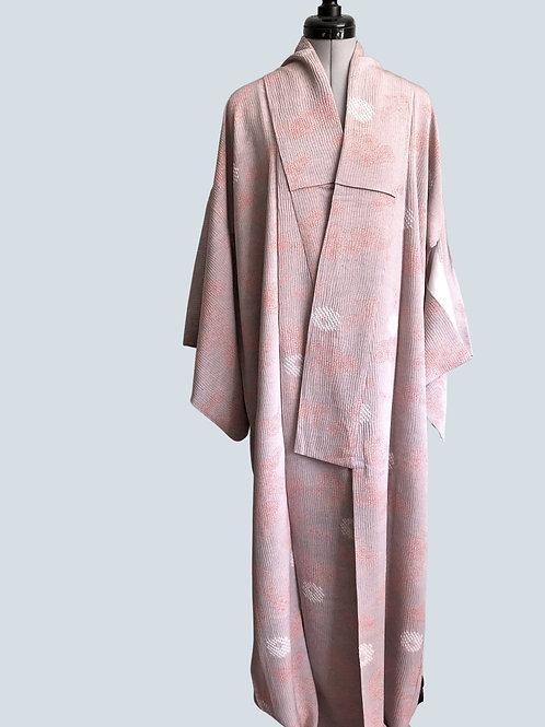 GREY PINK KIKU SHIBORI 1970-80s Japanese Kimono, silk crepe, lined