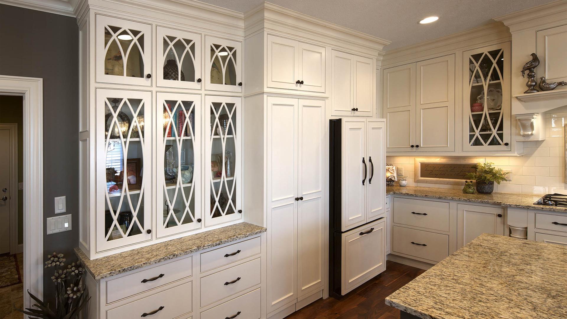 graceful-classic-savannah-kitchen-cabine