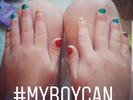 Can boys wear nail varnish?