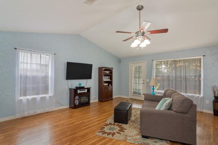 5308 Whitney Ct   Living Room