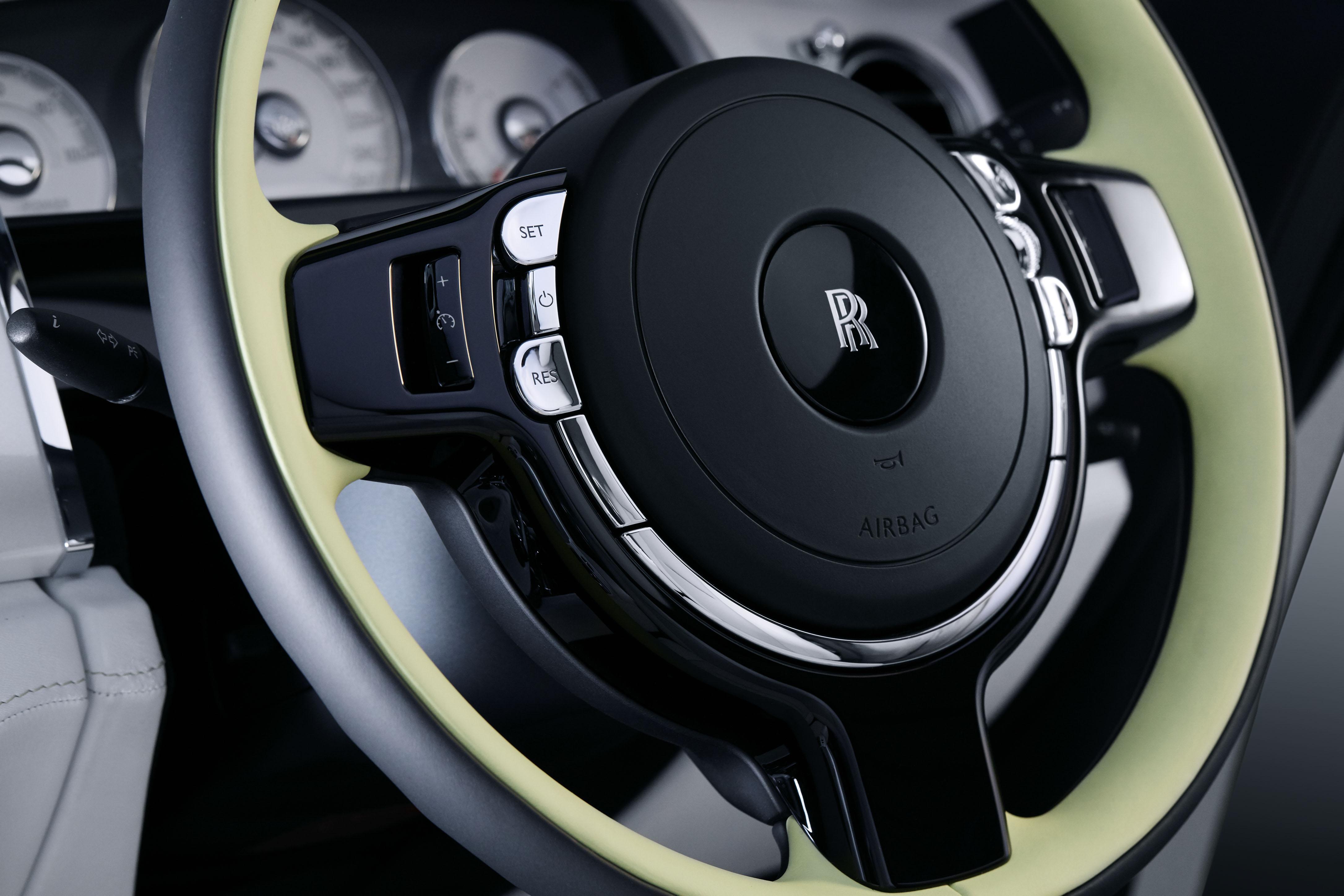 Rolls Royce - WRAITH