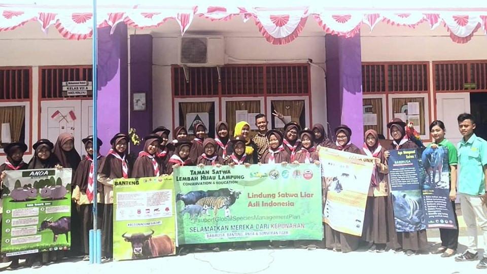 Action Indonesia Day oleh Taman Satwa Le