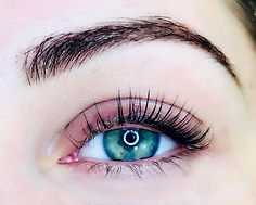 eyelash extensions, classic lash extensions, no mascara, wedding, beauty, make up, lashes, elleebana, lash lift, brow henna