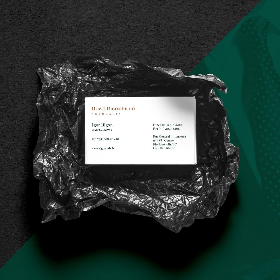 Realistic Business Cards MockUp 3.jpg
