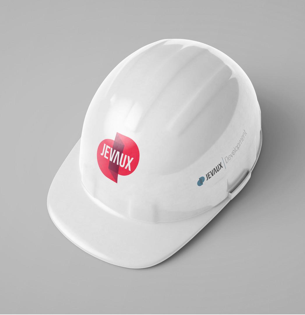 Free_Construction_Cap_Logo_Mockup_PSD_co